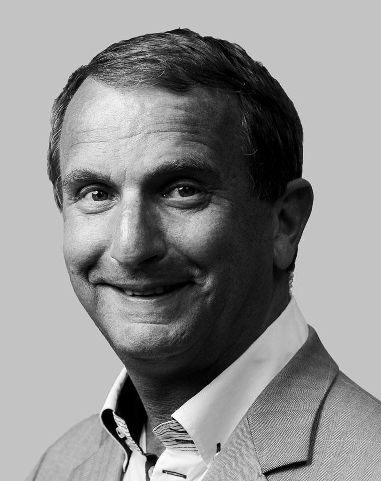 John Milhado, huisvestingsexpert